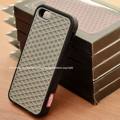 This item is AVAILABLE. ^^  || Vans Case for Iphone 4 & 5.  || Follow on Instagram & Twitter @pcasby_  || Also follow on Instagram & Twitter @klikme_os  || Info & Order : +6287855600077 || Line : helenkusoy || Pin BB : 28A3BEEC || Seller Location : Surabaya - Indonesia || ** all the photos on @pcasby_ account are ours, please don't take/use it without permition.  #iphone #seller #case #casing #jual #jualan #supplier #iphone4 #iphone5 #surabaya #indonesia #vans