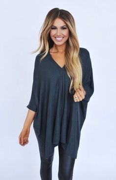 Hunter Green Double V Tunic - Dottie Couture Boutique Casual Fall Outfits, Casual Outfits, Cute Outfits, Mode Style, Style Me, Vetement Fashion, Fashion Beauty, Womens Fashion, Look Chic