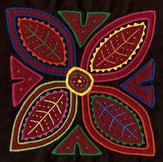Very Vibrant Flower Mola Rare Hand Sewn Kuna Indian Applique Stitches, Reverse Applique, Flower Artwork, Paper Fashion, Indian Artist, Geometric Designs, Fabric Art, Beautiful Patterns, Textile Art