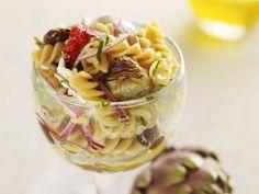 Nudelsalat mit Artischocken ist ein Rezept mit frischen Zutaten aus der Kategorie Sprossgemüse. Probieren Sie dieses und weitere Rezepte von EAT SMARTER!