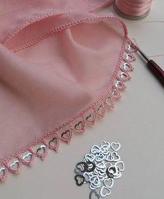 Look Look Endless Volle 107 Teile Häkelhandtuch und Hijab Handarbeitsmodell - Häkeln Embroidery On Kurtis, Kurti Embroidery Design, Embroidery On Clothes, Hand Work Embroidery, Couture Embroidery, Embroidery Suits, Embroidery Fashion, Hand Embroidery Designs, Beaded Embroidery