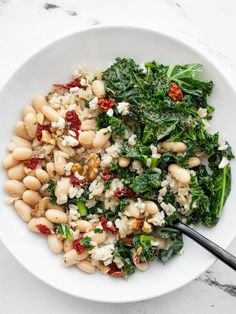 These kale and white bean power bowls are full of flavor, texture, protein, fiber, and other nutrients. Perfect for meal prep! BudgetBytes.com Vegetarian Recipes, Healthy Recipes, Healthy Meals, Kale Recipes, Vegetarian Lunch, Veggie Meals, Vegetarian Options, Delicious Recipes, Dinner Recipes