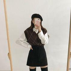 Korean Girl Fashion, Korean Street Fashion, Ulzzang Fashion, Asian Fashion Style, Aesthetic Fashion, Look Fashion, Aesthetic Clothes, Aesthetic Outfit, Autumn Aesthetic