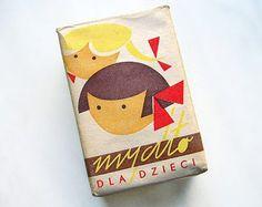 Vintage Soap Graphic from Poland mydlo_dla_dzieci_pantuniestal Vintage Packaging, Pretty Packaging, Packaging Design, Beauty Packaging, Retro Design, Vintage Designs, Graphic Design, Illustrations, Illustration Art
