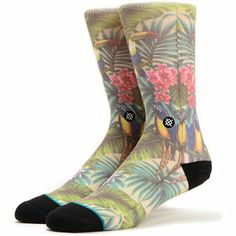 For a tropical vibe no matter where you are grab the Mahalo crew socks from Stance. The soft feel and extra support of the Mahalo Stance socks will have you dreaming of a tropical vacation with the all-over Hawaiian print and contrasting black toe and heel. With a seamless toe closure, elastic arch support, and signature Stance logo at the ankle you'll be workin' the aloha style in no time.