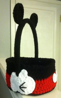 Minnie/Mickey Mouse Easter Basket Crochet Easter by MyYarnArtistry Crochet Cross, Cute Crochet, Crochet For Kids, Crochet Mickey Mouse, Crochet Disney, Minnie Mouse, Holiday Crochet, Crochet Gifts, Knitting Projects