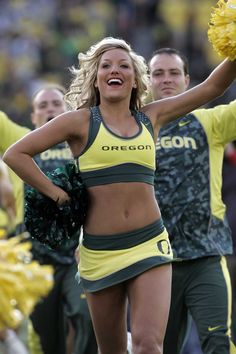 plus The Oregon cheerleaders run out on the field before Oregon's win over Washington on Nov. (Eric Evans photo) football game On Oregon Cheerleaders, Hottest Nfl Cheerleaders, Football Cheerleaders, College Cheerleading, Cheerleading Uniforms, College Football Teams, Cheerleading Photos, College Basketball, Sport Treiben
