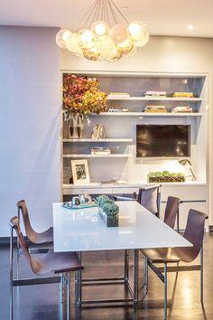 Modern breakfast room by Jamie Drake.