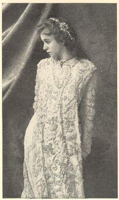 Maude Adams as Juliet in 1899.