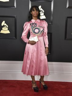 2017 Grammy Awards: Stars on the red carpet