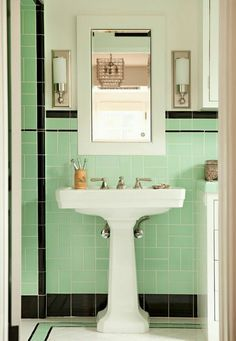 Tiny Bathrooms Interior Design Projects Avec Images