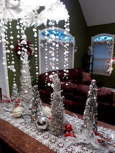 Awesome Christmas DIY Snowy Tree Winter For Table Decoration 04 Winter Wonderland Centerpieces, Winter Centerpieces, Silver Centerpiece, Centerpiece Ideas, All Things Christmas, Christmas Diy, Christmas Decorations, Table Decorations, Homemade Christmas