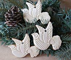 TRES palomas cerámica Navidad ornamentos de oro blanco con