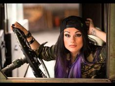YouTube Snow Tha Product - Hold You Down ft. CyHi the Prynce