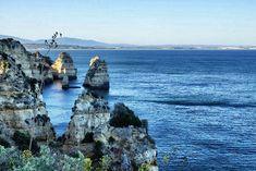 Leckeres Essen, einzigartige Natur und idyllische Inseln mit niedlichen Häuschen. Außerdem war ich Surfen in Portugal an der Algarve.