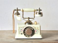 Circa 1967 Hedaya & Co. Inc Plastic French Victorian Telephone Radio Made In Japan