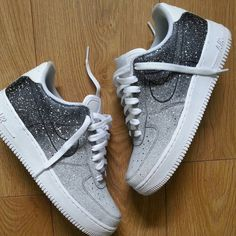 , The effective images we offer you about Nike shoes A quality image can . Cute Sneakers, Sneakers Nike, Sneakers Fashion, Fashion Shoes, Adidas Fashion, Fashion Outfits, Cheap Fashion, Fashion Men, Nike Shoes Air Force