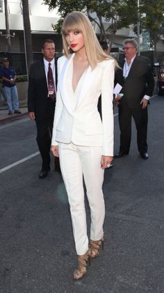 love the look of this white suit