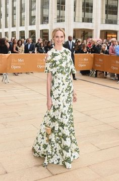 MDS Best Dressed of 2015- Lauren Santo Domingo in Giambattista Valli  Celebrity Outfits 96d9ca94a412c