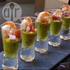 Verrines à l'avocat et aux crevettes @ allrecipes.fr