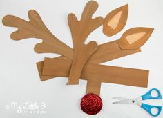 Cute printable reindeer antlers to cut out and paint from My little 3 and Me. Childrens Christmas Crafts, Preschool Christmas, Christmas Activities, Holiday Crafts, Preschool Class, Party Crafts, Kids Crafts, Holiday Ideas, School Christmas Party