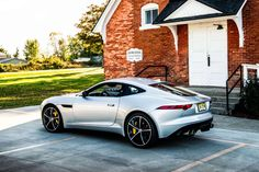 Throughout the early stages of the Jaguar XK-E, the lorry was supposedly planned to be marketed as a grand tourer. Changes were made and now, the Jaguar … Luxury Sports Cars, Sport Cars, Jaguar F Type, Jaguar Xk, Jaguar Cars, Engin, Latest Cars, Car Manufacturers, Luxury Cars