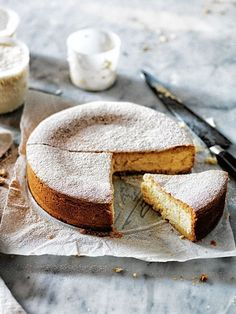 lemon and vanilla ricotta cheesecake from donna hay food photography food styling Beaux Desserts, Just Desserts, Delicious Desserts, Yummy Food, Ricotta Cheesecake, Cheesecake Recipes, Dessert Recipes, Think Food, Love Food