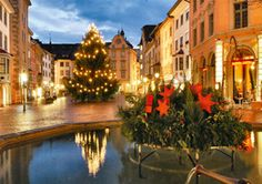 Christmas time in Schaffhausen. Enjoy Christmas shopping in the cosy medieval old town