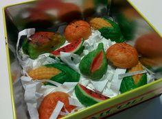 Martorana Marzipan Fruit and the sicilian Feast of the Dead Marzipan Fruit, Sicilian, Caprese Salad, My Recipes, Treats, Food, Italia, Sweet Like Candy, Goodies