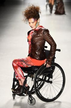 NY Fashion Week Show Features Models With Disabilities - Barrier Free Living Wheelchair Photography, Body Tech, How To Feel Beautiful, York, Foto E Video, Gq, Ideias Fashion, Fashion Photography, Fashion Looks