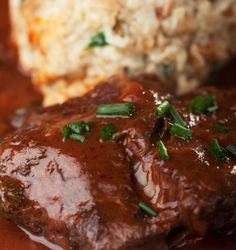 Beef Cheeks, Potato Puree, Braised Beef, Meatloaf, Food And Drink, Asian, Snacks, Crafts, Souffle Dish