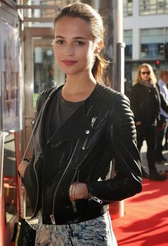 GOSSIP OVER THE WORLD: Swedish rising star Alicia Vikander ready for the ..., fresh facd, natural beauty