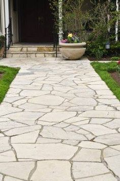 Curb Appeal Top 6 Saturday: Front Yard Pathways and Walkways Flagstone Walkway, Outdoor Walkway, Outdoor Landscaping, Front Walkway, Walkways, Outdoor Flooring, Landscape Lighting Design, Landscape Elements, Landscaping Supplies