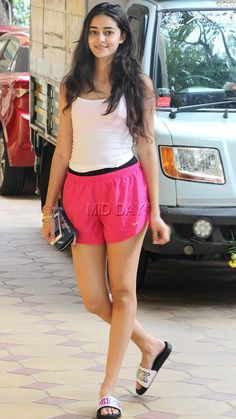 Photos: Chunky Pandey's daughter Ananya looks stylish in pink shorts - Entertainment