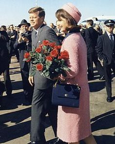 Pink Chanel suit of Jacqueline Bouvier Kennedy
