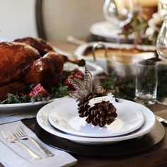 @honestlyyum shares a stunning #Thanksgiving table (featuring our Gabriella dinnerware!) today on the blog. Read more at blog.potterybarn.com #potterybarn #pbblog