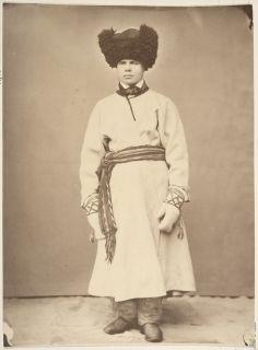 Nalbound mittens worn by a man in his winter costume, from South Carelia, Jääski, Finland. Year 1867.