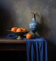 No description Still Life Drawing, Painting Still Life, Still Life Fruit, Belles Choses, Chiaroscuro, Still Life Photography, Art Photography, Pictures To Paint, Art Studies