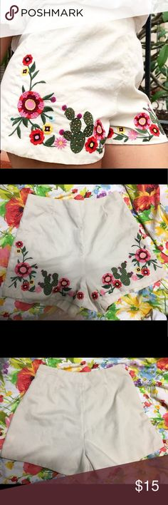 gianni bini high waisted embroidered shorts High waisted shorts, zipper on the side, color is like a beige tone Gianni Bini Shorts High Waisted Shorts, Casual Shorts, Girl Fashion, Fashion Tips, Fashion Design, Fashion Trends, Embroidered Shorts, Gianni Bini, Indian Outfits