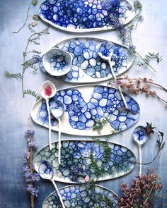 Lustik — Danish handmade ceramics by Caroline Arnecke. - Lustik — Danish handmade ceramics by Caroline Arnecke. Ceramic Tableware, Ceramic Clay, Ceramic Painting, Pottery Plates, Glazes For Pottery, Ceramic Pottery, Pottery Painting Designs, Pottery Designs, Farmhouse Dinnerware