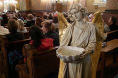 El Agua Bendita es un Sacramental Exorcístico y Purificador ¿Cómo la Podemos Usar? » Foros de la Virgen María