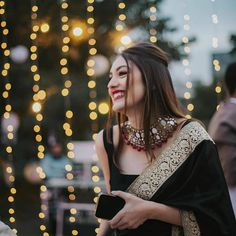 7 Easy-Peasy Bridal/ Bridesmaids Hairstyles You Need To Save Right Now! Indian Bridal Outfits, Indian Bridal Fashion, Indian Fashion Dresses, Dress Indian Style, Indian Designer Outfits, Indian Wear, Indian Gowns, Saree Designs Party Wear, Saree Blouse Designs