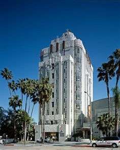 The Library of Congress Pageturner -- Sunset Tower, West Hollywood,CA. Designed in 1929, Leland A. Bryant, architect. photo by Carol M. Highsmith