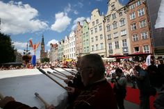 756 St. Dominic's Fair in Gdańsk! July 30 - August 21  We invite you to our Gdańsk pride. Among the others attractions in opening ceremony will be a concert on the worl's largest and tallest drum!  Arrive to Gdańsk, have fun and transport leave to us.