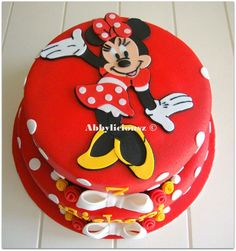 Red Minnie Mouse cake :)