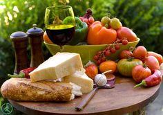 Dieta Mediterrânea como emagrecedor e redutor do risco de doenças  Esta dieta vem sendo objeto de estudo dos cientistas por um simples fato: Como o povo desta região pode viver tanto? Continue lendo em :  http://raisdata.com/blog/dieta-mediterranea-como-emagrecedor-e-redutor-risco-de-doencas/    #AtaqueCardíaco, #AVC, #BigData, #Depressão, #Derrame, #DietaMediterrânea,  #Emagrecedor, #Emagrecer, #GordurasSaudáveis, #Parkinson, #PrevenirDoenças, #QualidadeDeVida, #Rais, #Raisdata,
