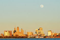 Full Moon over Buffalo and a Layer of ?