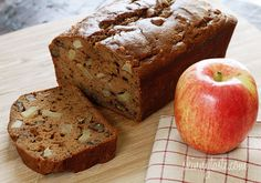 Applesauce Nut Bread – Moist cinnamon apple bread made with homemade applesauce, small chunks of fresh apples and walnuts in every bite. Its so moist and delicious, you wont believe its low fat! Köstliche Desserts, Delicious Desserts, Dessert Recipes, Yummy Food, Apple Recipes, Bread Recipes, Cooking Recipes, Healthy Recipes, Apple Bread