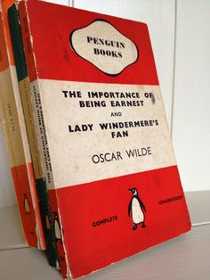 Penguin Classic Book Oscar Wilde - The Importance of Being Ernest