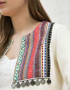 Resultado de imagen para CHAQUETA BORDADA BERSHKA Neck Designs For Suits, Dress Neck Designs, Designs For Dresses, Sleeve Designs, Blouse Designs, Kurti Patterns, Dress Patterns, Sewing Patterns, Mode Abaya